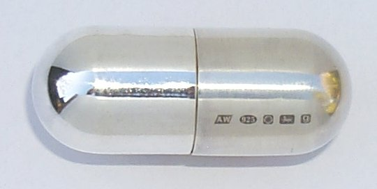 Small pill box with silver both ends & Andy Webber - Silversmithing Aboutintivar.Com